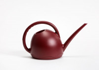 Watering can Medusa wine red